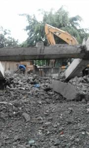 Jasa bongkar rumah tua